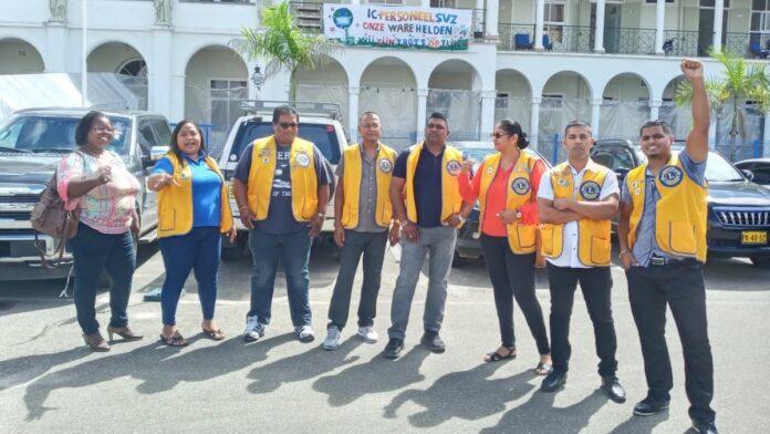 Lions club Wanica doneert goederen aan Sint Vincentius Ziekenhuis