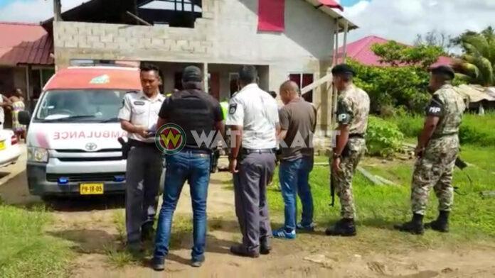 Militair schoot op buurvrouw en familie omdat ze hem bedreigden met houwers