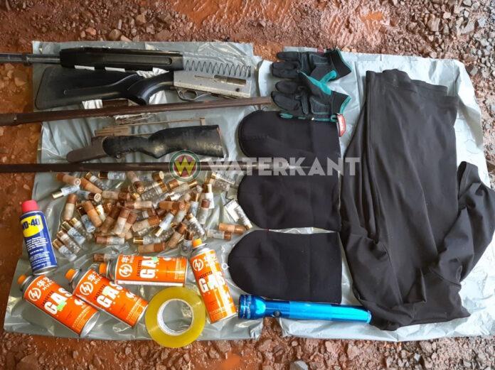 Politie gaat af op melding gewapende Brazilianen en vindt wapens en patronen
