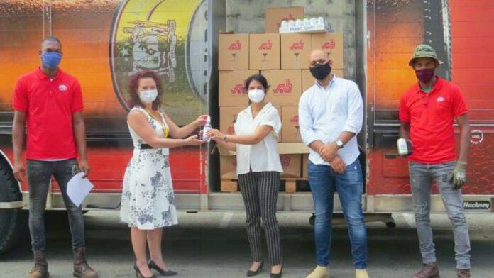 's Lands Hospitaal ontvangt 900 flessen alcohol hand sanitizer