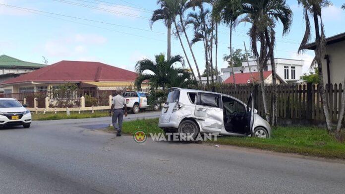 Fikse aanrijding nadat automobilist geen voorrang verleende