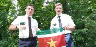 VIDEO: Amerikanen die in Suriname hebben gewoond willen taal oefenen