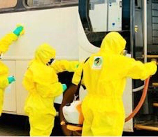 Transport bussen worden schoongemaakt