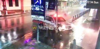 VIDEO: Bewakingscamera legt klap politieauto vast