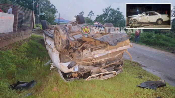 Automobiliste verliest macht over het stuur in bocht en slaat over de kop