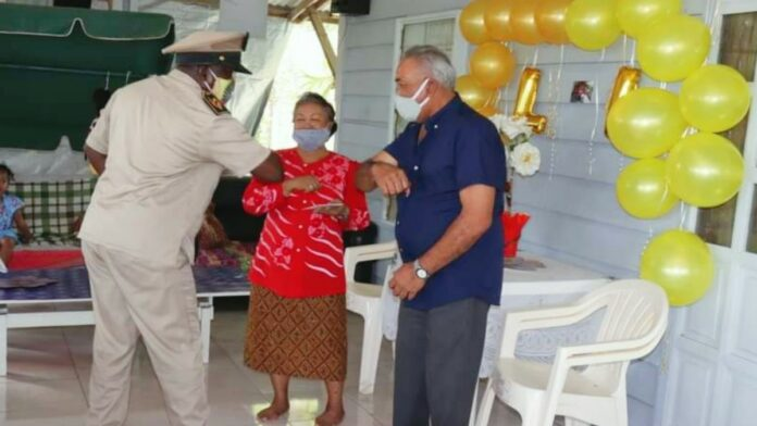 Gouden bruiloft voor echtpaar Wirowidjojo-Pakoeh