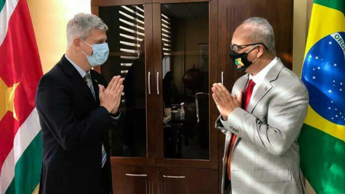Minister Ramdin ontvangt Ambassadeurs van Brazilie, India en China