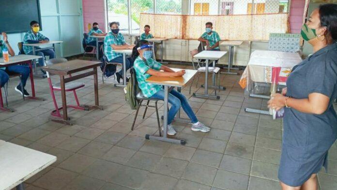 kinderen-school-suriname-coronavirus-covid-19
