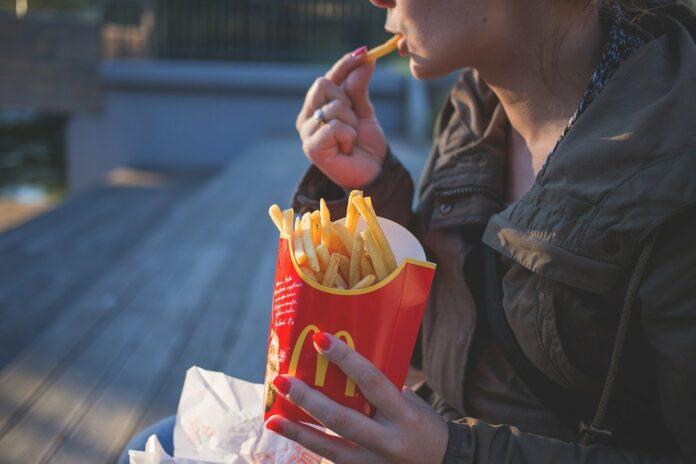 Medewerker McDonald's in Suriname besmet met coronavirus
