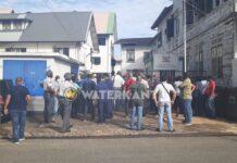 Politieagenten voeren opnieuw actie bij ministerie van Justitie