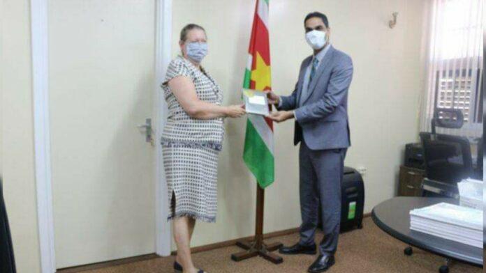 Ambassadeur VS bezoekt minister van Volksgezondheid