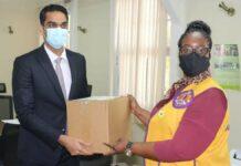 Lions Club Paramaribo South doneert 1.000 gezichtsbeschermers aan Volksgezondheid