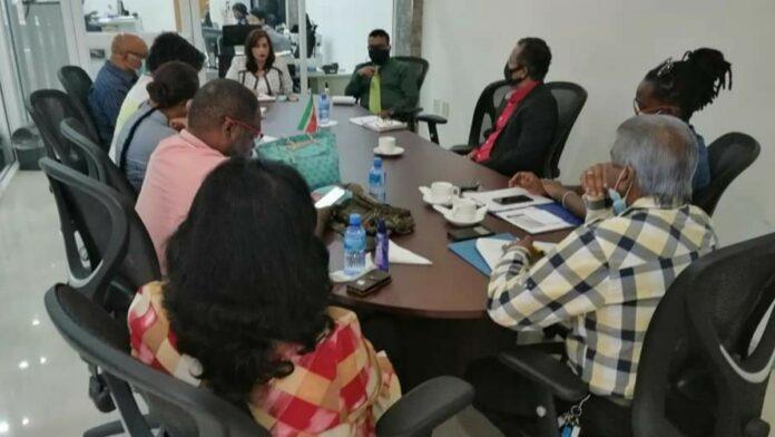 Minister Kuldipsingh en Districtsraad Paramaribo tasten samenwerkingsgebieden af