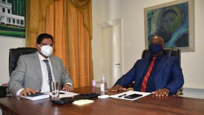 President en vicepresident voeren politiek overleg