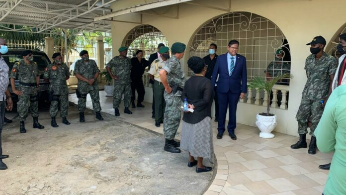 Santokhi bezoekt Directoraat Nationale Veiligheid