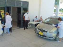 Ziekenhuis Wanica opent drive-thru COVID-19 Test Unit
