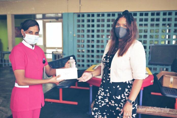 First daughter Suriname doet donaties namens president