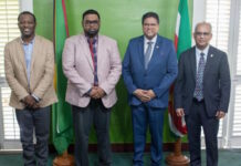 President laat zich testen op COVID-19 na contact met besmette Guyanese minister