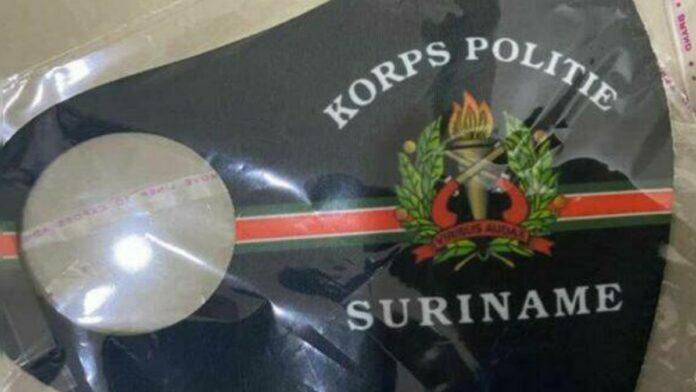mond- en neusbedekking korps politie suriname