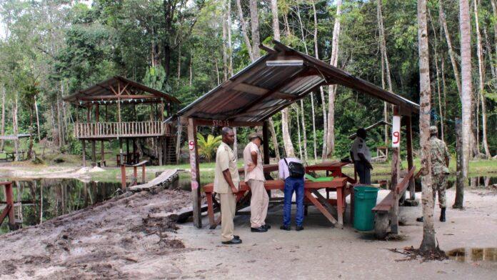 Ook politie waarschuwt: streng optreden tegen bezoekers en exploitanten recreatieoorden