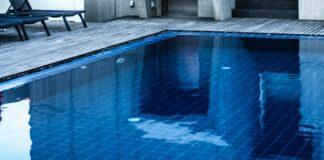 zwembad met water
