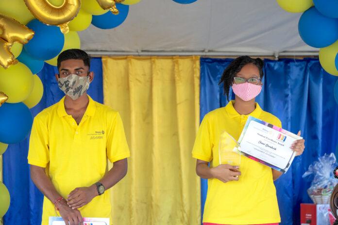 VOS best geslaagden in zonnetje gezet door Rotary Club Paramaribo Central