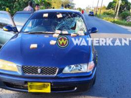 Automobilist schept voetganger in Suriname