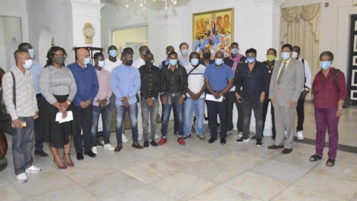 President stelt werkgroep 'Ghetto Boyz' in om problemen kansarme buurten aan te pakken