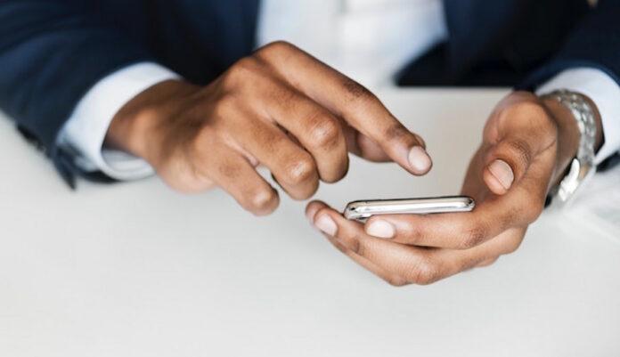 mobiel-telefoon-suriname