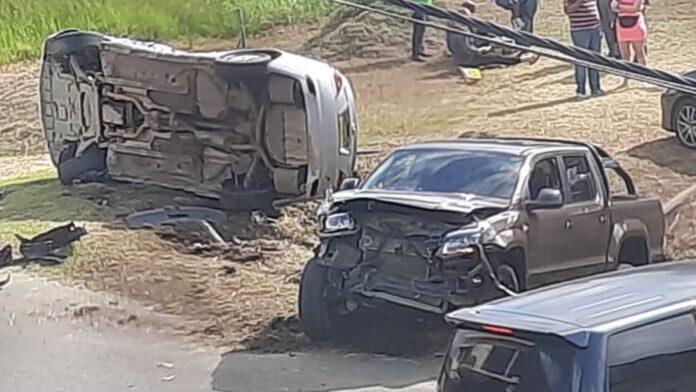 VIDEO: Automobilist negeert stopbord en veroorzaakt zware aanrijding