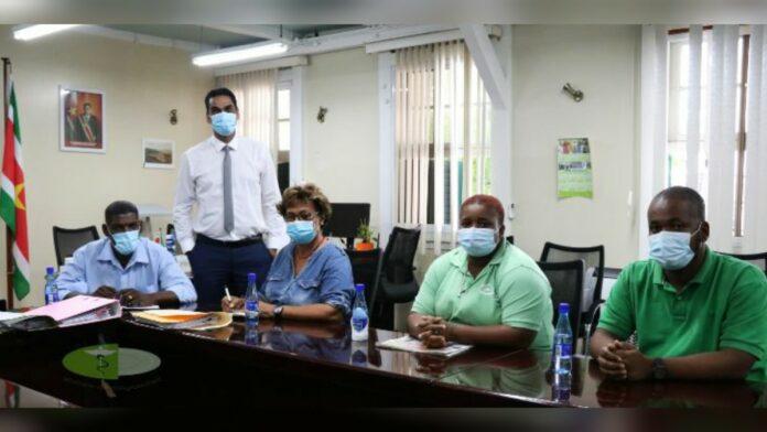 Bureau Dak- en Thuislozen op bezoek bij minister Ramadhin
