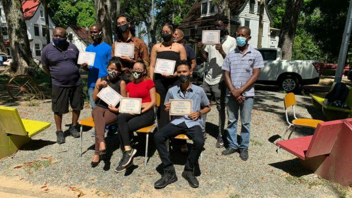 Suriname heeft zeven nieuwe gediplomeerde kunstenaars
