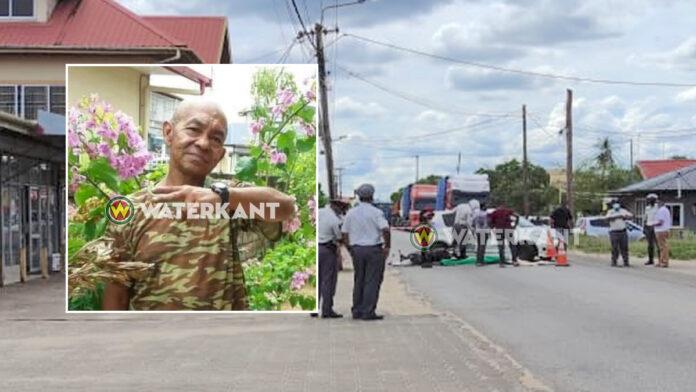 Bromfietser doodgereden door bejaarde (95) die achteruit reed