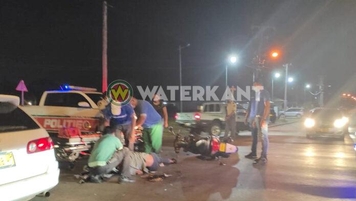 Bromfietser zwaargewond na aanrijding door busje