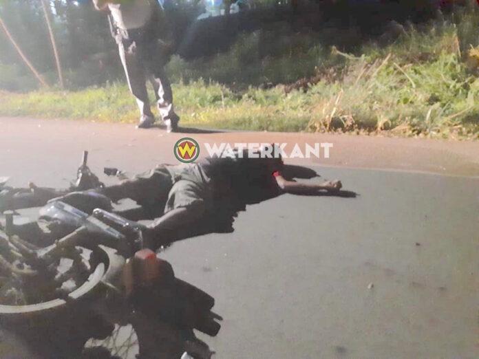 Dode bij aanrijding tussen twee bromfietsers in Nickerie