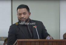 VIDEO: Ambtenaren zeggen vertrouwen in minister Bronto Somohardjo op