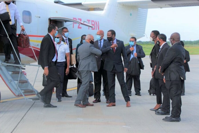 Surinaamse ministers in Guyana voor bespreking samenwerking