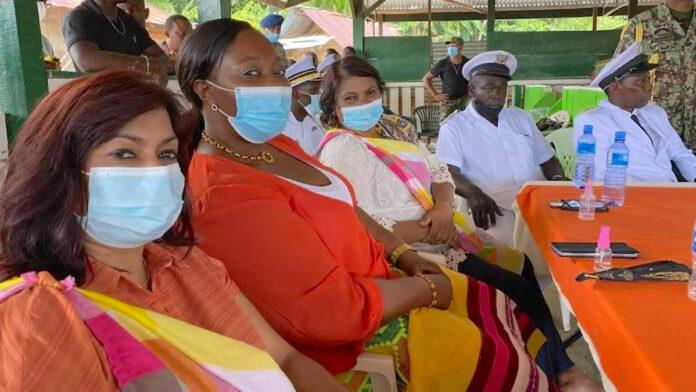 Wie moeten allemaal in quarantaine na besmetting minister Pokie?