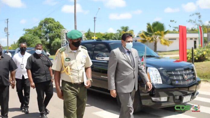 President en vp bezoeken Saramacca, Nickerie en Coronie
