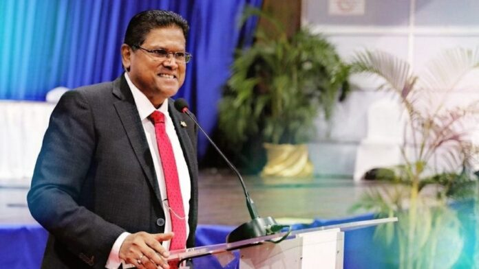 De Surinaamse president Chan Santokhi
