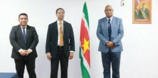 Minister Nurmohamed pleegt overleg met Guyanese collega Edghill