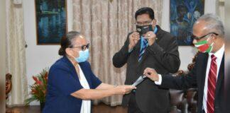 Organisaties brengen met mondkapjes geweld tegen vrouwen onder aandacht president