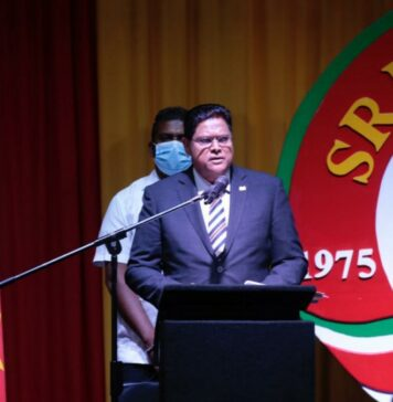 President Santokhi: Gezamenlijk blijven bidden en werken