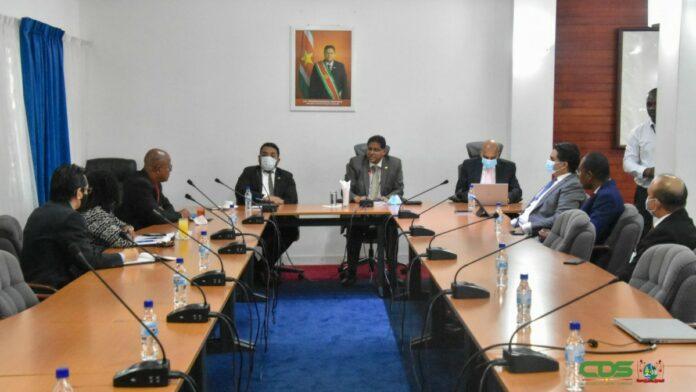 President wil professionele Rekenkamer met voldoende capaciteit