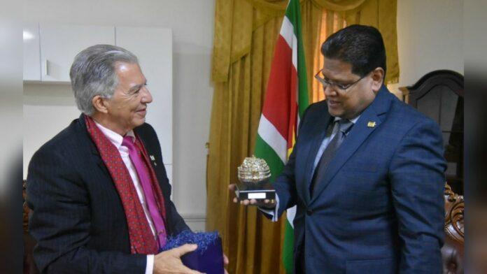 Suriname wil vertegenwoordiging in Israël op hoger niveau