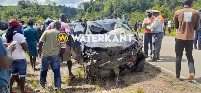 Doden bij zware aanrijding aan de Afobakaweg