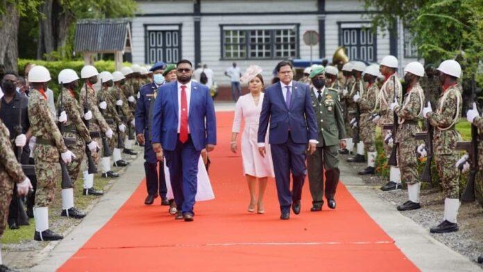 Suriname en Guyana voeren bilateraal overleg