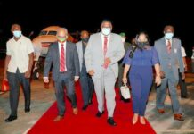 VIDEO: Guyanese president Irfaan Ali aangekomen in Suriname
