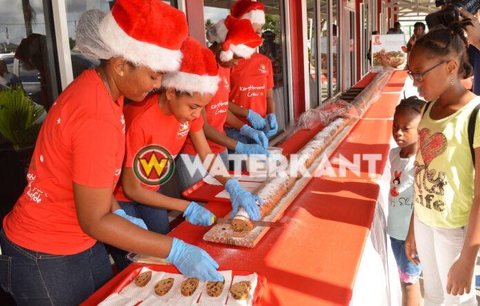 Dit jaar geen meterslang Kerstbrood snijden bij Fernandes