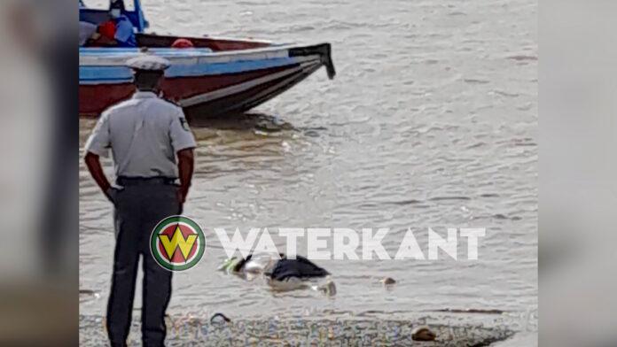 Lijk van man uit Suriname rivier opgevist